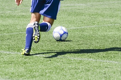 オスグッドで苦しむサッカー少年